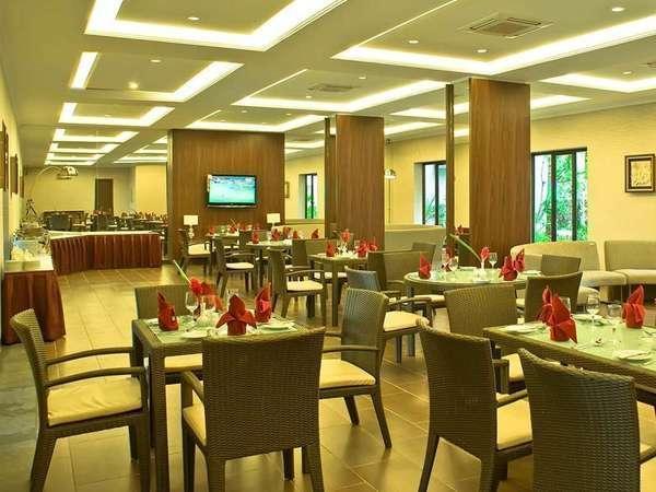The Acacia Hotel  Anyer - Restoran