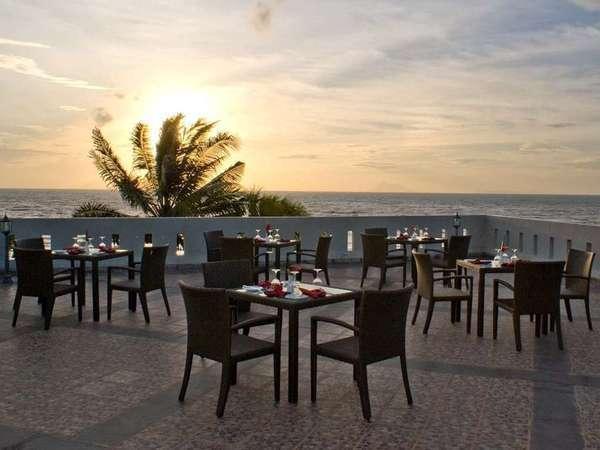 The Acacia Hotel  Anyer - Tempat terbuka