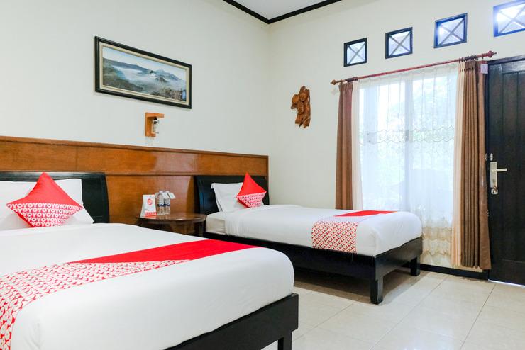 OYO 573 Rani Homestay Bromo Malang - Bedroom ST