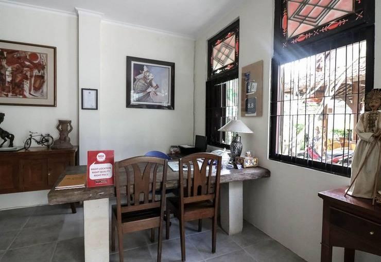 NIDA Rooms Kaliurang Gang Cikal Dempet Jogja - Resepsionis