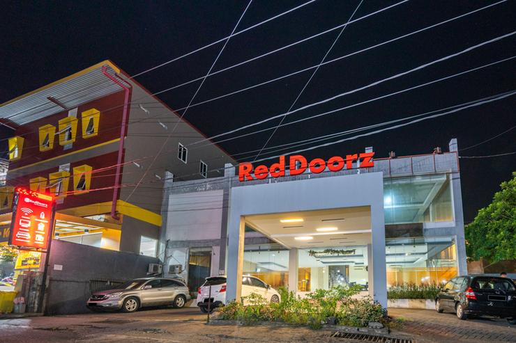 RedDoorz near Bahu Mall Manado Manado - Photo