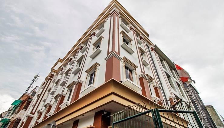 RedDoorz Cideng Barat Jakarta - Eksterior