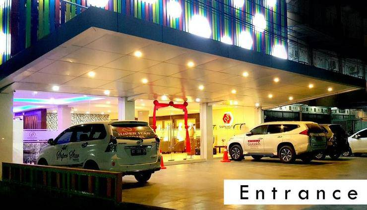 Superstar Hotel Dumai - Entrance