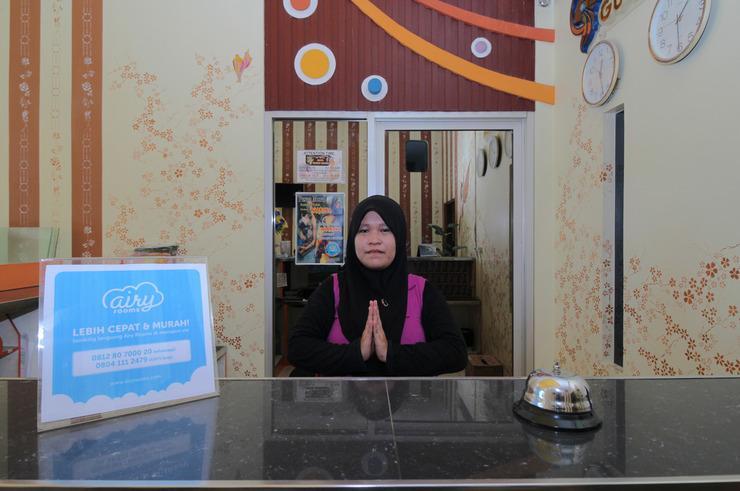 Airy Kota Timur HB Jassin 533 Gorontalo - Receptionist