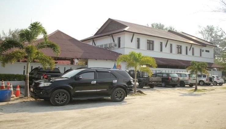 Theme Park & Resort Hotel Pantai Cermin Serdang Bedagai - exterior