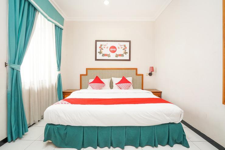 OYO 377 Istana Permata Juanda Surabaya - Guestroom