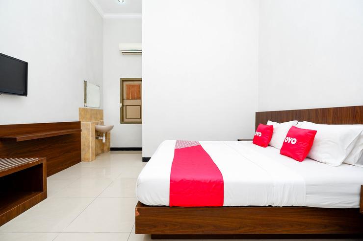 OYO 2436 Hotel Kencana Tegal - Guest Room