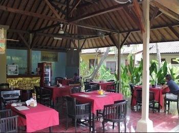 Ayu Beach Inn Bali - Interior