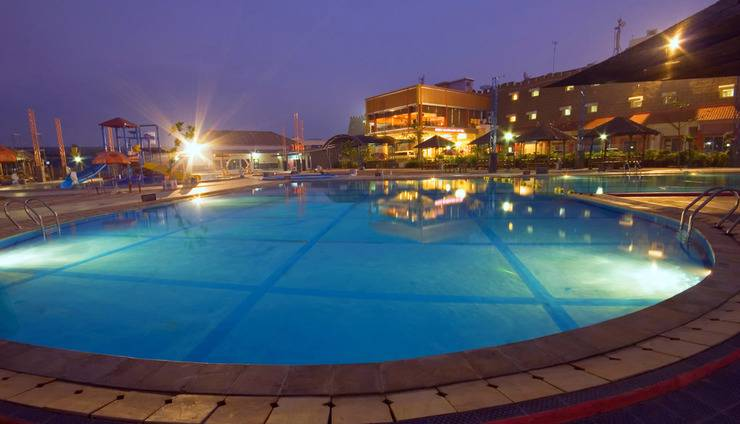 Hotel Sahid Mandarin Pekalongan - VIEW FROM SWIMMING POOL