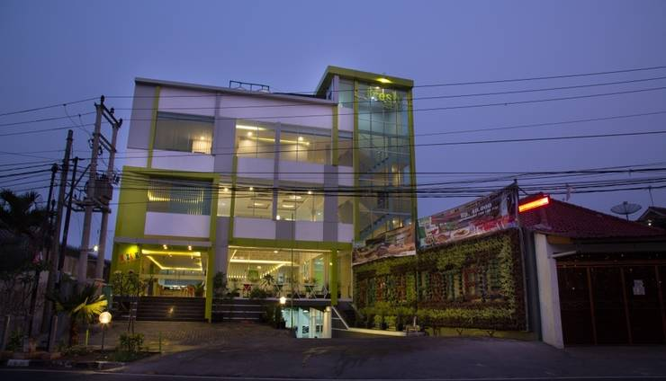 Fresh Hotel Sukabumi Sukabumi - Tampak depan Fresh Hotel