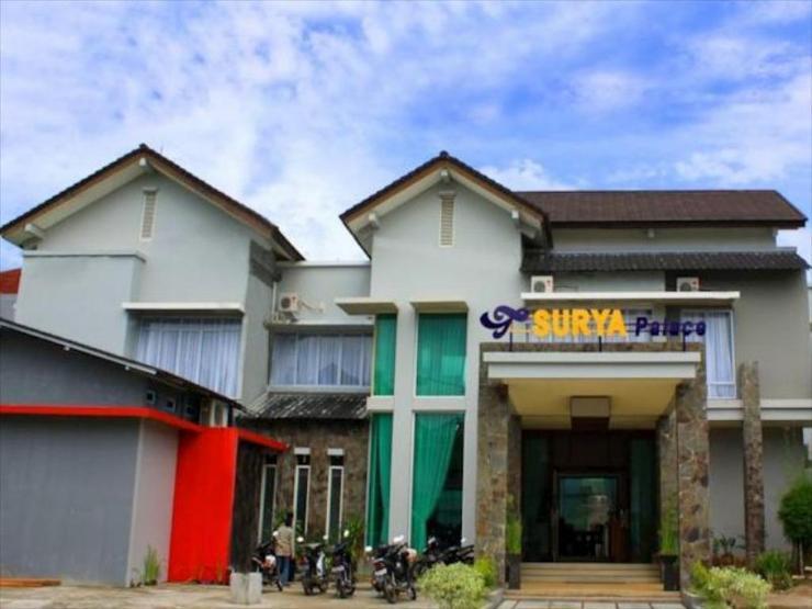 Hotel Surya Palace Syariah Padang - Exterior