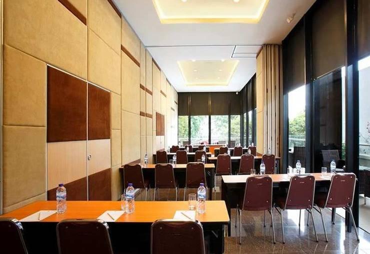 Amaris Pasar Baru Jakarta - Meeting Room