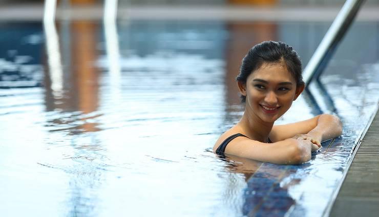Hotel Santika Premiere ICE BSD City - Swimming Pool