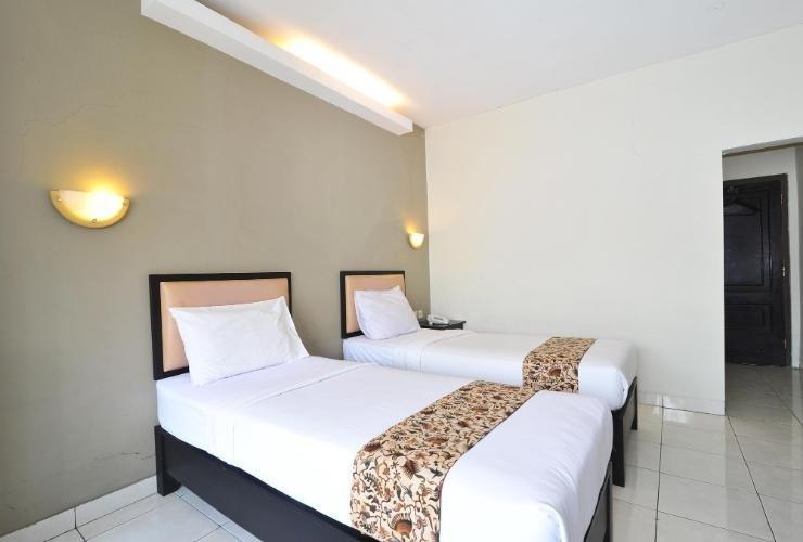 Hotel Royal Phoenix Semarang - room