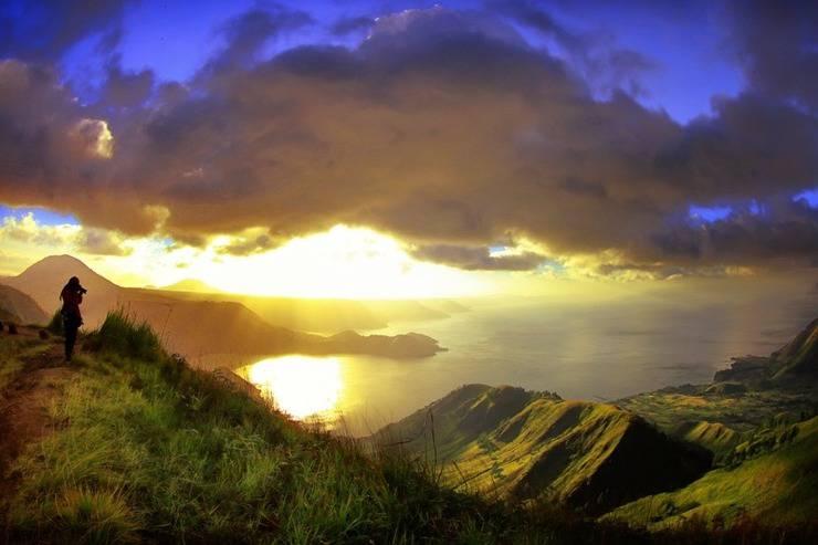 Taman Simalem Resort Danau Toba Merek - Melihat Matahari Terbit