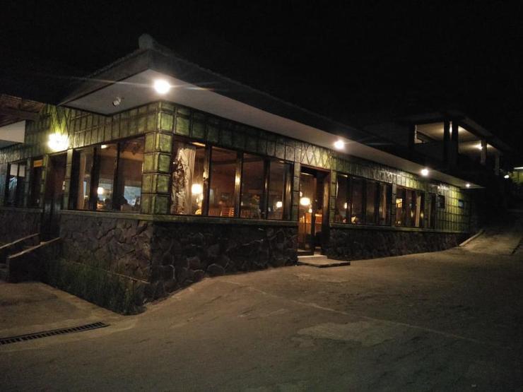 Cemara Indah Hotel Probolinggo - Exterior
