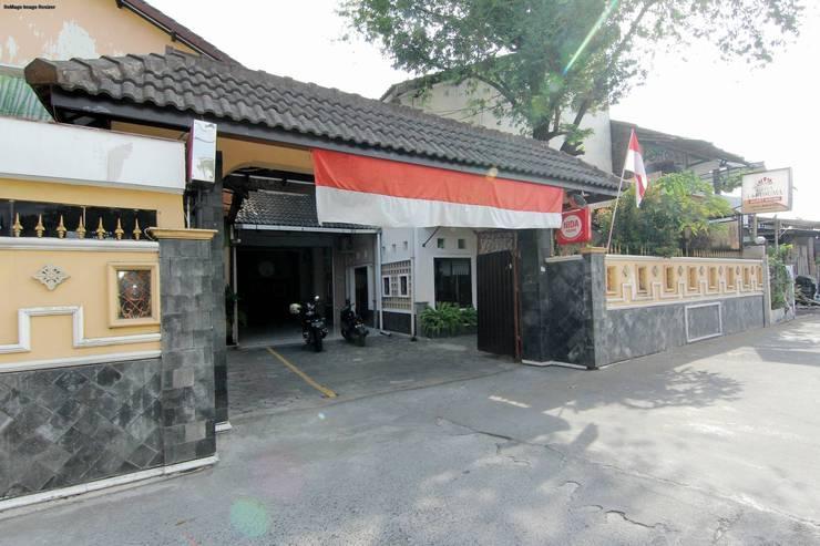 Griya La Kusuma Yogyakarta - Exterior