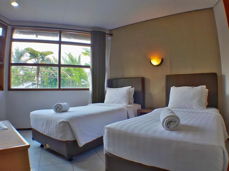 The Batu Villas II Malang - Room