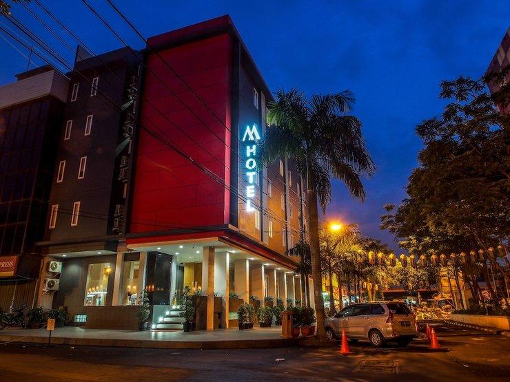 M Hotel  Jakarta - Front of Property - Evening/Night
