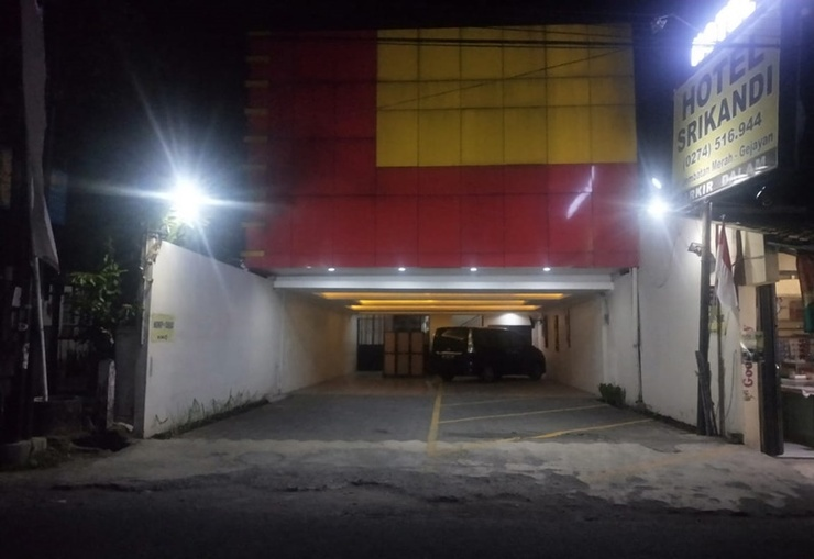 Hotel Srikandi Gejayan Yogyakarta - Exterior