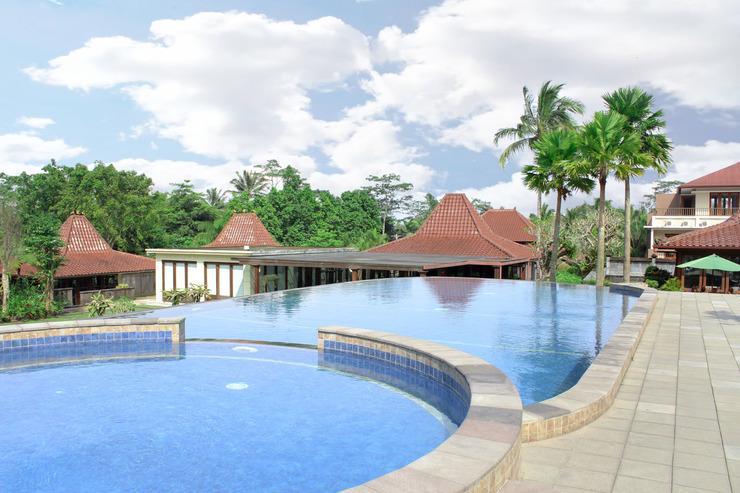 Airy Premier Sleman Raya Merapi Golf Cangkringan Yogyakarta - Pool