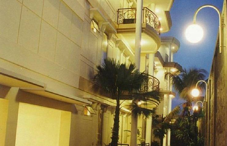 Inez Apartment 3 Malang - pemandangan sisi