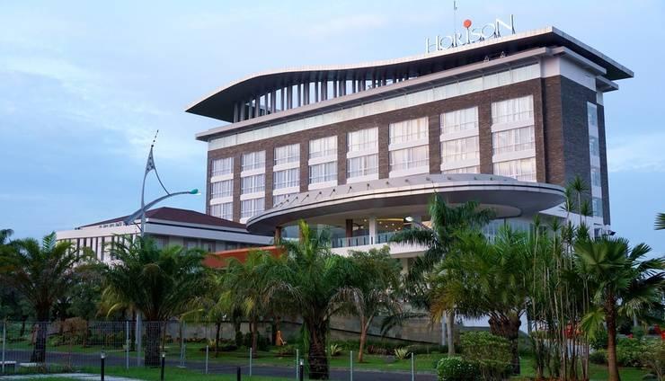 Horison Hotel Jababeka - Tampak Depan