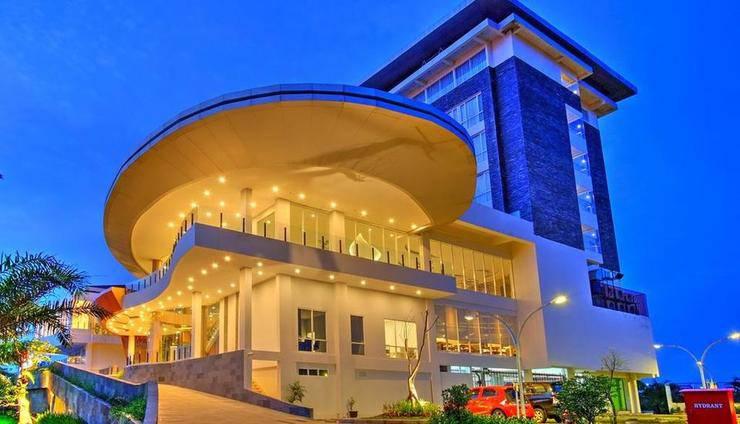 Horison Hotel Jababeka - Overview