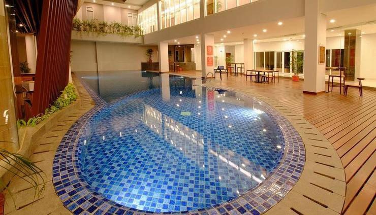 Horison Hotel Jababeka - Indoor Pool