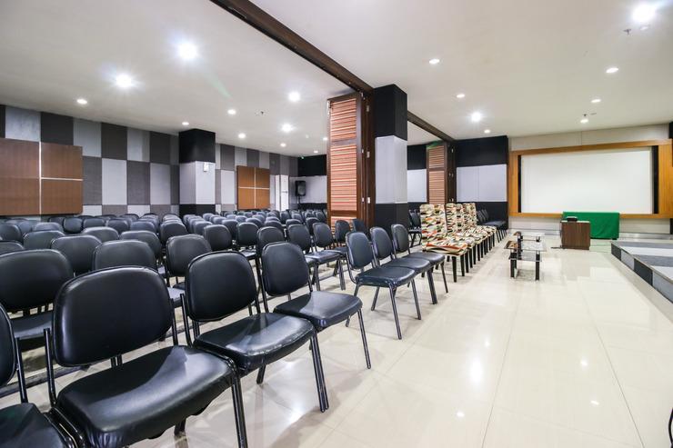 Airy Panakkukang Pandang Raya 12 Makassar - Restaurant