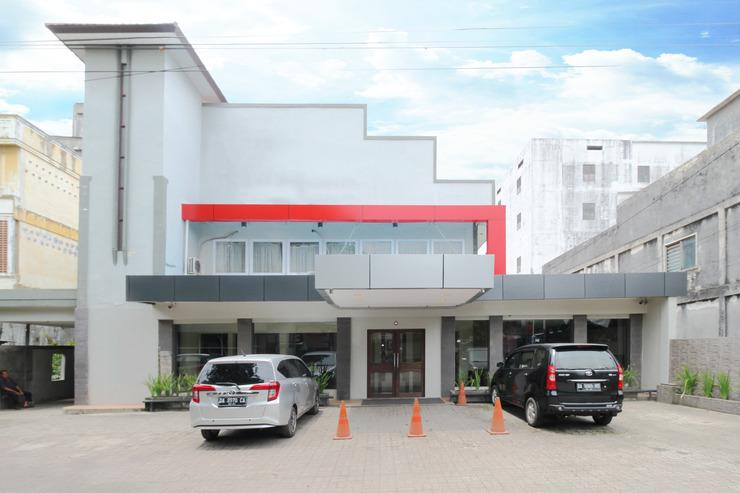 Airy Sungai Martapura RE Martadinata 6 Banjarmasin - Hotel Building