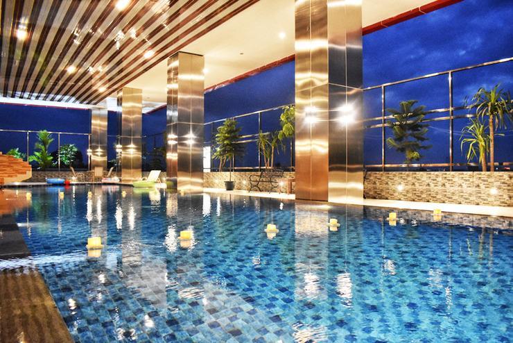 Grand Metro Hotel Tasikmalaya Tasikmalaya - Swimming Pool