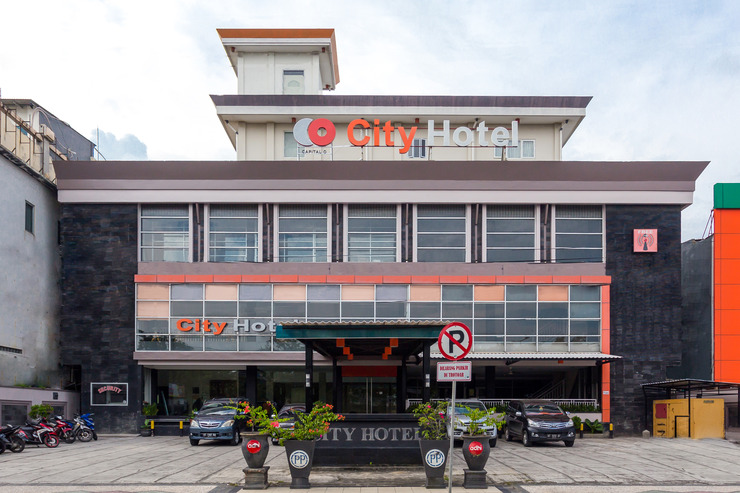 Capital O 769 City Hotel Balikpapan - Facade