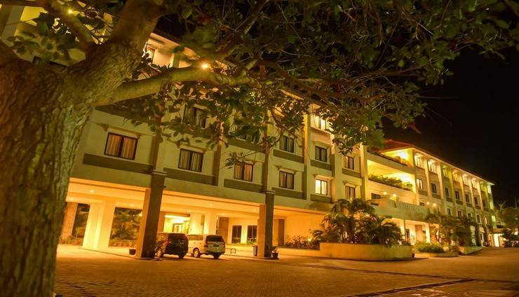 T-MORE Hotel & Lounge Kupang - Exterior