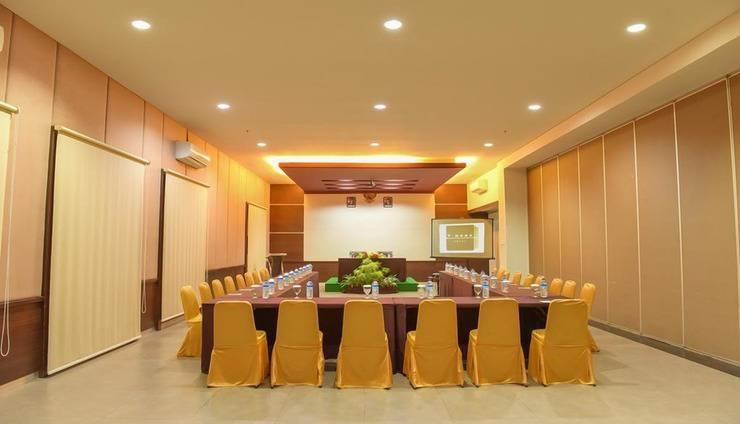 T-MORE Hotel & Lounge Kupang - Interior