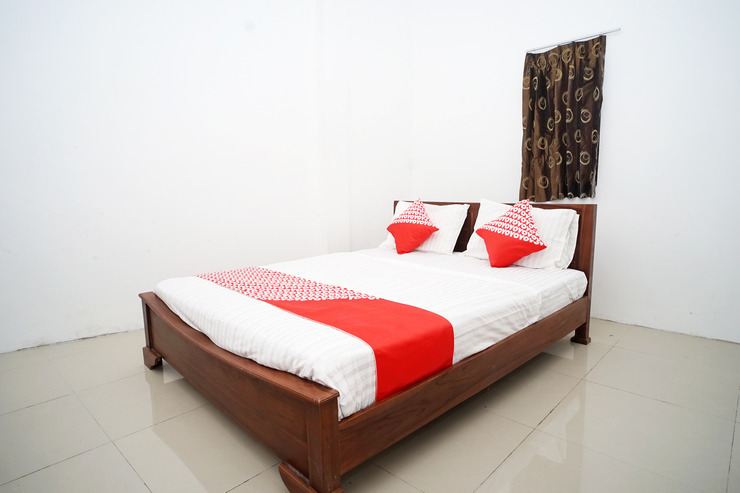 OYO 1034 Pondok Mulia Guest House Balikpapan - standard double bedroom