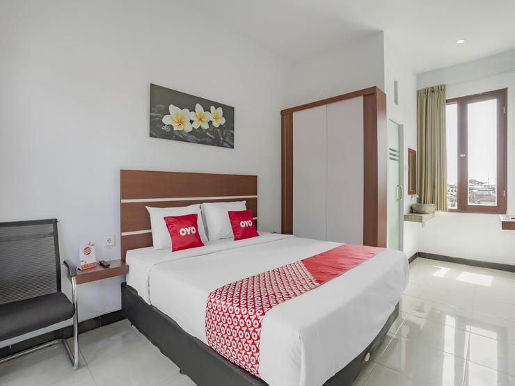 OYO 3852 Valomia Guest House Bali - Bedroom