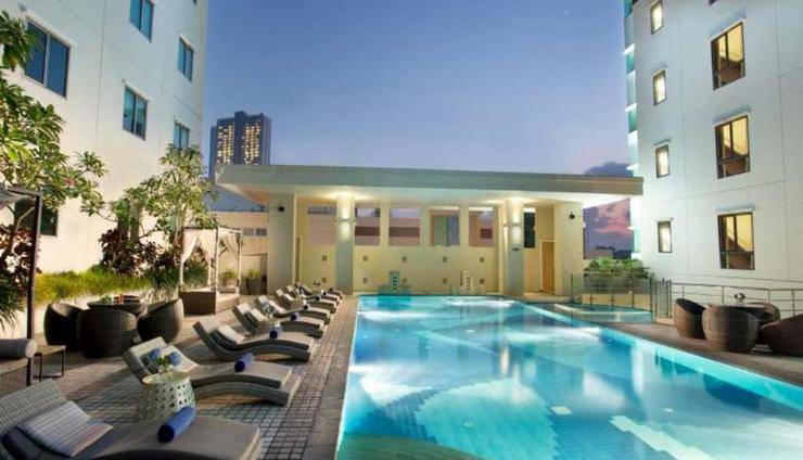 Ascott Waterplace Surabaya - Kolam Renang
