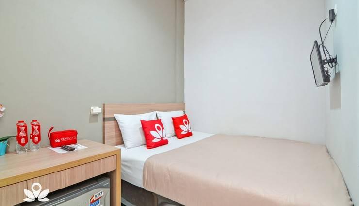 ZEN Rooms Karet Pedurenan Jakarta - Double Room 3