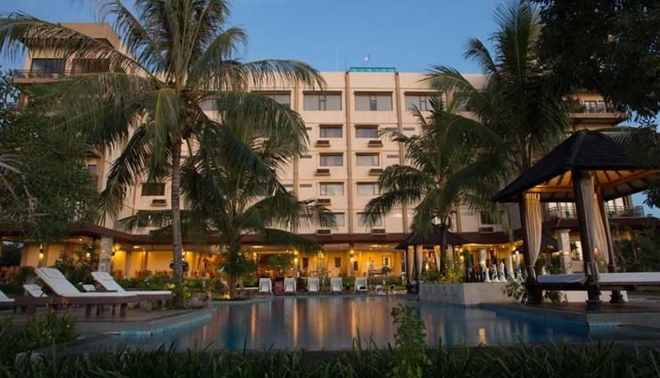 The Jayakarta Suites Komodo Flores - Kolam Renang Luar Ruangan