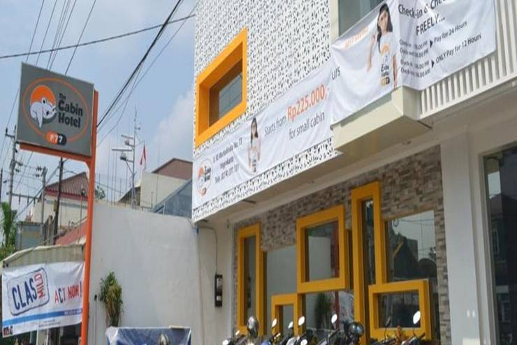 Cabin Hotel F77 Yogyakarta - Tampilan Luar Hotel