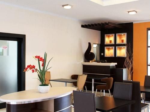 Gadjah Mada University Club Hotel Yogyakarta - Interior