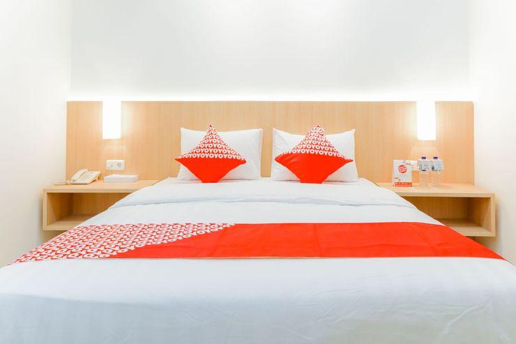 OYO 1252 Puri Inn Jakarta - Bedroom