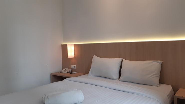 Puri Inn Hotel Jakarta - bedroom deluxe