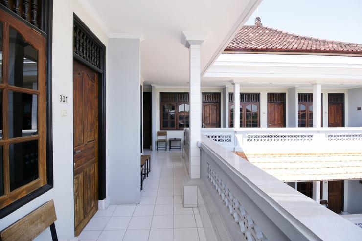Airy Eco Legian Patimura Gang Melati 2M Kuta Bali - Balcony