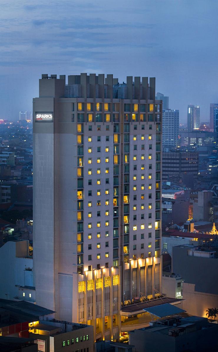 Sparks Luxe Jakarta Jakarta - Facade