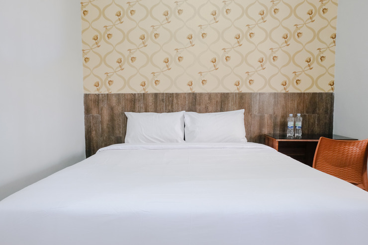 Double  D9 Guesthouse Malang - Bedroom
