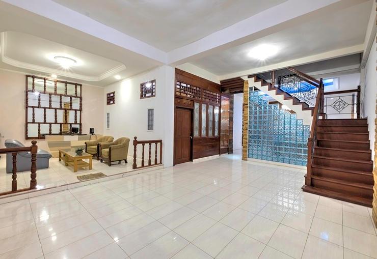 Riverside Hostel Padang Padang - Interior