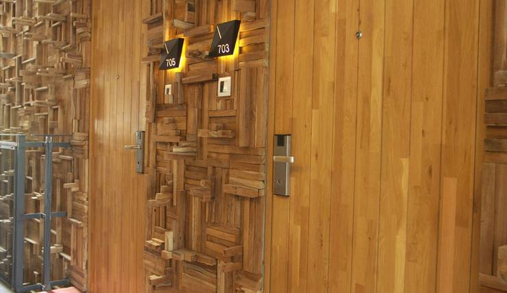 Kosenda Hotel Jakarta - Pintu kamar