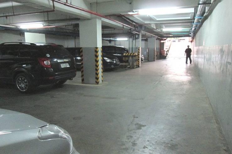 Hotel Arwana Jakarta - Area parkir